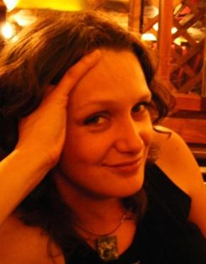 Poeme de Roxana Cotruș, Moni Stănilă și AlexandruVakulovski